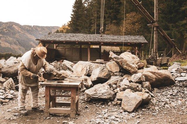 Steinbruch-matt-rot